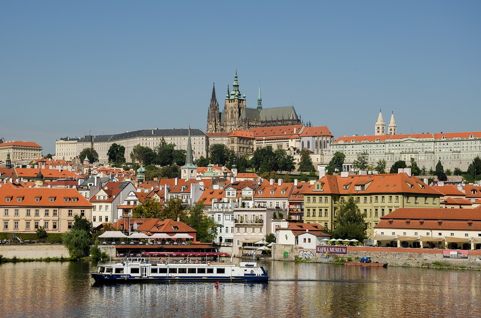 vinn en resa till Tjeckien